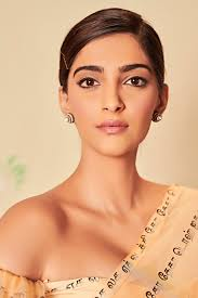 Heres The Rheson Sonam K Ahuja Is Focusing On Every Girl With Her