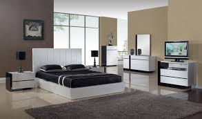 bedroom modern apartment bedroom interior ideas displaying the captivating sandy brown wall paint theme color and contemporary white gloss bedroom captivating white bedroom