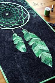Dream Catcher Quilt Pattern Stunning feathers AND a stunning 'web' in this Dreamcatcher mini 4