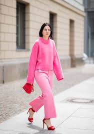 How To Wear Light Pink Pants Match Your Light Pink Pants With A Cozy Pink Sweater 25