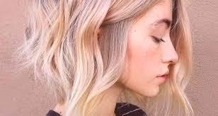 Krátké účesy Blond