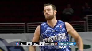 Matt Costello with the dunk! - YouTube