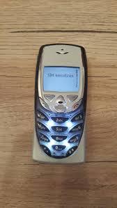 Nokia 8310 , offen. Top. in 8605 ...