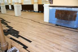 install hardwood floating floor video