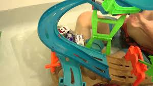 hot wheels bathtub toy play