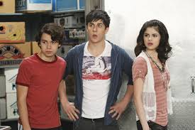 Wizards of waverly place focuses on the russos. Wizards Of Waverly Place S Selena Gomez David Henrie Working On A Secret Project Spin1038
