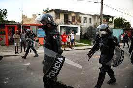 Cuba spells out social media laws ...