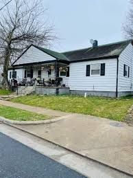 Offering insurance for auto, life, home and more. 530 540 Broad St Harrisonburg Va 22802 Listing 615171