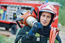 ▷ Fiche métier Sapeur-pompier : salaire, étude, rôle et compétence | RegionsJob.com