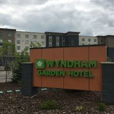 wyndham garden calgary airport calgary room s reviews travelocity