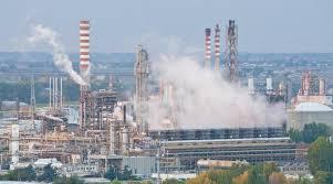 Risultati immagini per petrolchimico di Siracusa immagini