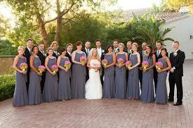 ... Couple with ten bridesmaids and groomsmen ...