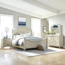 White Queen Bedroom Set Picture Of Manor Antique White Queen Bedroom ...