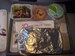 Meals were delivered shortly afterwards u2014 there wasnu0027t a choice of entree  but as many carriers donu0027t offer meals in the main cabin on Hawaii flights  you
