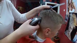 Haare Schneiden Mit Maschine Bei Jungs Jungen Haarschnitt Kurz Kurzhaarschnitt Selber Schneiden
