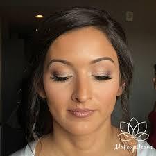 fresh faced makeup look light eye makeup with brown lip