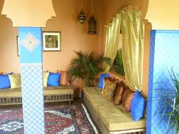 Casbah Restaurant: Low Moroccan seating at Casablanca Cordova.