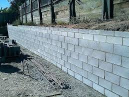 how to build a concrete retaining wall concrete building in a bag how to build concrete