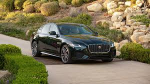 Mimo niewielkich różnic w wyglądzie pojazdu od pierwszej generacji, auto zaprojektowane zostało od podstaw. 2021 Jaguar Xf Review Left To Languish Roadshow