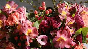Apart from valentine roses we also offer a varied collection of fresh flower bouquets for. Bkret C9vrbldm