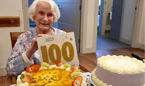 Myrtle celebrates 100th birthday at St Paul's Terrace - Benetas