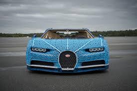 Juste au dessus pour voir toutes mes prochaines vidéos ! Lego Makes A One Million Piece Bugatti Chiron And Then Drives It