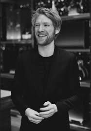 Domhnall gleeson » донал глисон запись закреплена. When He Smiles The Whole Domhnall Gleeson Fanpage Facebook