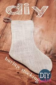 a simple no cuff diy burlap stocking tutorial