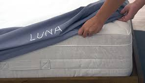smart mattress cover. Interesting Smart Luna Helps To Manage Your Bedu0027s Temperature Tracks Sleep And Ultimately  Makes It U201csmartu201d Simply Slip Onto A Mattress It Fits Full Queen  Intended Smart Mattress Cover O