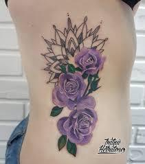тату графика цветы на рёбрах тату цветы на боку цветные тату