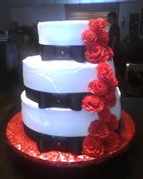 White And Black Wedding Cake With Red Roses Cakecentralcom