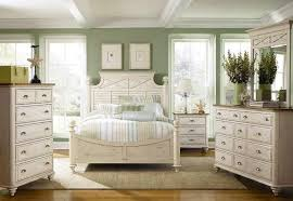 Mixing White Wood Bedroom Furniture