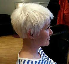 light blonde pixie hairstyle for older women