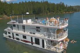 Houseboat Rentals Lake Shasta CA; Enjoying Your Vacation on the Waters