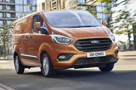2018 ford transit custom. simple ford 2018 ford transit custom  driving with ford transit custom parkers