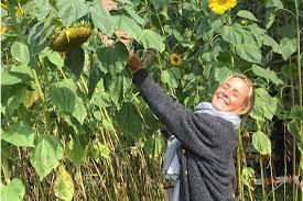 Vriendinnen Julie Van Espen (23) houden twee jaar na haar do... - Het  Nieuwsblad Mobile