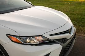 2018 toyota white camry. modren 2018 2018 toyota camry se white grille with toyota camry r