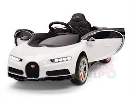 Includes a wireless remote control for hours of endless fun for children and adults alike. White Official Bugatti Chiron Kids Ride On Car Kids Vip