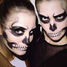 simple skeleton makeup skull makeup you don 39 t need a fancy costume to slay this year impress your
