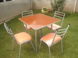 Sillas y Mesas para Bares y Restaurantes.