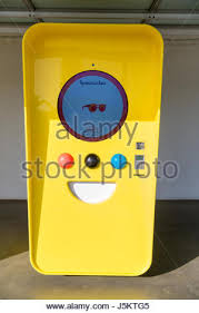 Snapchat Vending Machine Mesmerizing Vending Machine Selling Snapchat Spectacles In Popup Shop On