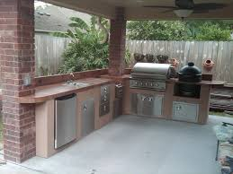 outdoor kitchen under patio cover
