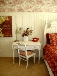 Red Wallpaper For Bedroom Red And White Decor Love The White Wainscoting And Toile