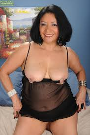 Mature naturally big tits