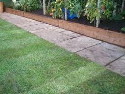 garden design using sleepers. railway sleepers garden edging front design using