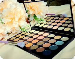 makeup revolution ultra 32 shade eyeshadow palette flawless eyeshadows