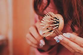 女性の薄毛原因は加齢だけじゃない薄毛を解消するためにできる3つの
