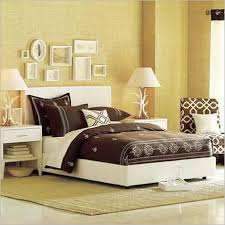Bedroom Ideas For Young Women With Brown And White Beddings