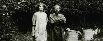 emilie flöge and gustav klimt in the garden of villa oleander in kammer district schörfling