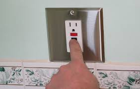 how to replace a razor only receptacle a gfci testing the gfci receptacle